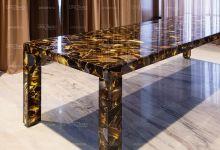 Стол из полудрагоценного камня (Черный агат с позолоченными прожилками)